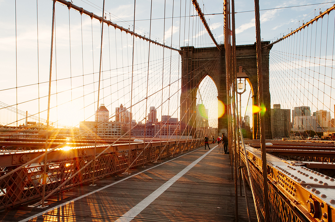 brooklyn bridge in new york city at sunrise